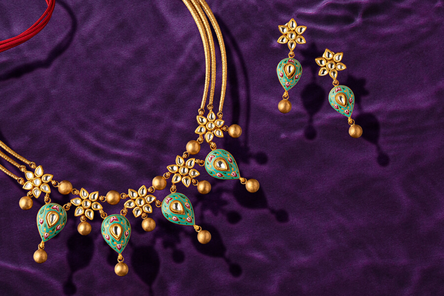 why indian brides prefer jadau jewellery?