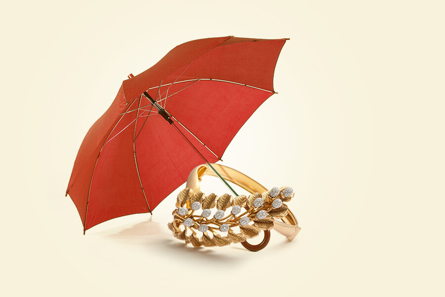 what kind of jewellery to wear in monsoons?
